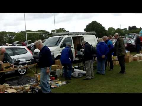 Luton Amateur radio car boot Stockwood Park 22 May 2011