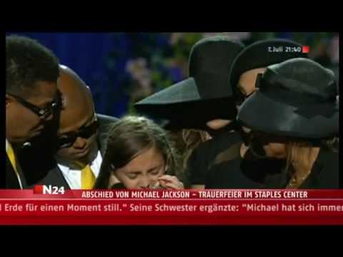 Michael Jacksons Tochter Paris auf der Trauerfeier in Los Angeles (Staples Center)