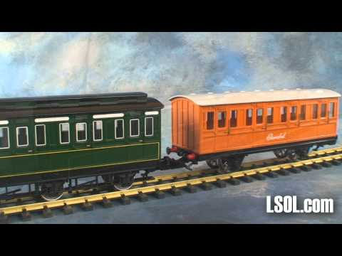 Emily Coaches - UnBoxing - Thomas The Tank Engine & Friends - Bachmann Train