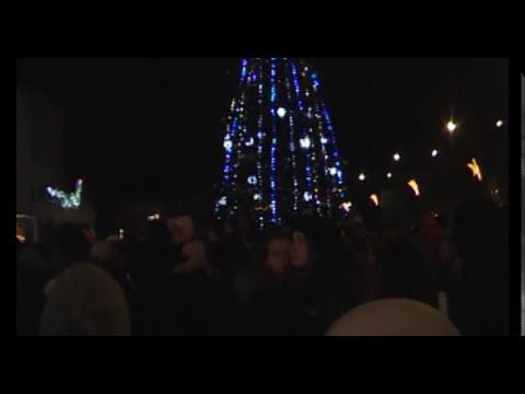 Vilkmerge.lt: Įžiebta miesto Kalėdinė eglutė