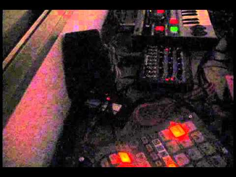 Thumbnail of video El Payo Robot - Casa, coche, vocoder (demo)