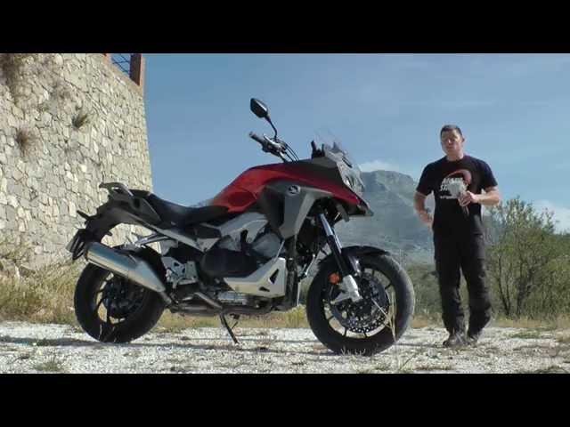 Vid�o Essai Honda VFR 800 X Crossrunner : Essai transform� !