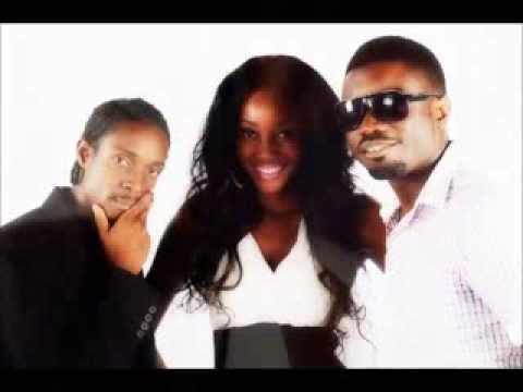 Leonard Mapfumo Ft Varaidzo - Ndoita Manyemwe video