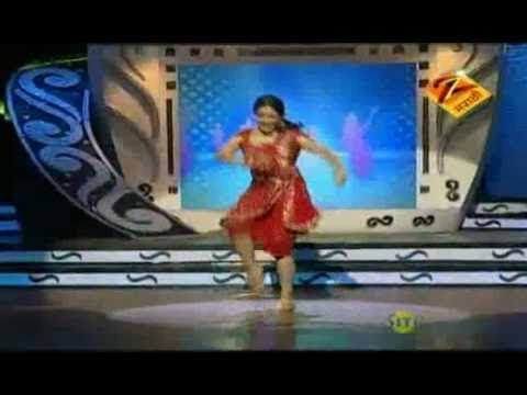 Eka Peksha Ek Apsara Aali April 14 11 - Neha Pendse