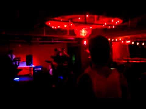 Qik - Halloween Flap Show By Eric Novins video