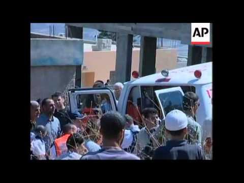 WRAP Rockets rain down on NIsrael, injured, Peres, Peretz comments, tanks, artillery