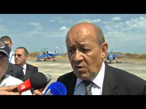 Jean-Yves Le Drian annonce le transfert du commandement des forces aériennes à Bordeax