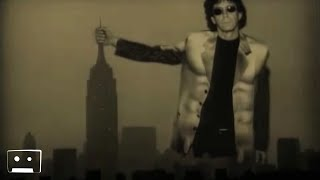 Watch Lou Reed Nyc Man video