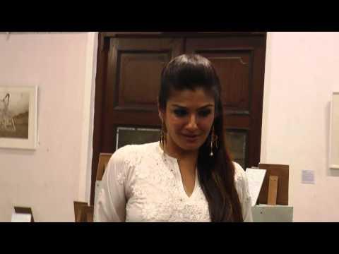 Ravina Tandon Attractive  Photoshoot  I Video Leaked By Apna Samachar video