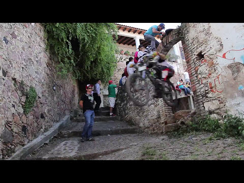 DOWN HILL TAXCO 2014 - Official Trailer