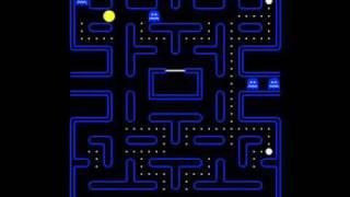 Jugando juegos Pac-Man