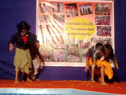 Gokul Classic, Lungi Dance by Little Girls Group on 26 January 2014