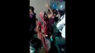 Desi grandma Dancing on Honey singh Sunny sunny