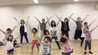 『シ・セ・イNEXT!』3番の歌詞で姿育体操!なかよし親子が姿勢矯正