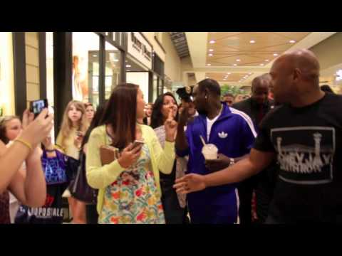 Download Lagu Akon in Mall Charlotte, NC MP3 Free