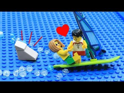 Lego Shark Attack: Love At The Beach