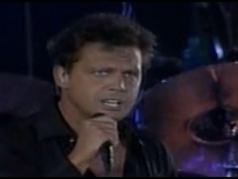 Luis Miguel - Hasta Que Me Olvides (live - Estadio Azteca, México 2002) video