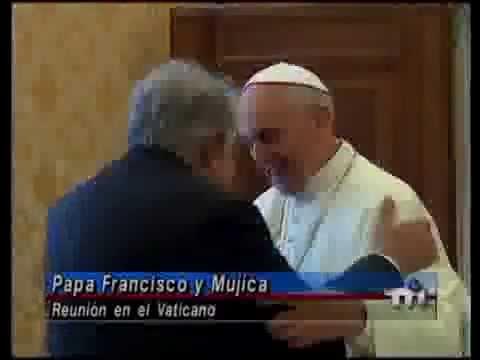 Dos potencias se saludan  . el Papa Francisco I y el Pepe MUJICA.