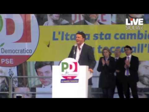 Il comizio di Renzi a Palermo, tra applausi e fischi