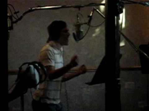 Joseph Espinoza - in the Studio - Mereces La Gloria
