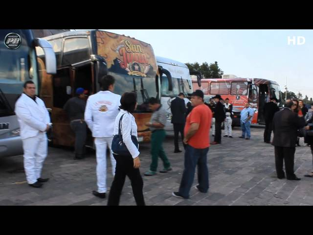 Llegada De Bandas a PREMIOS BANDAMAX 2013