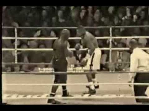 Roy Jones Jr Highlight - Can't Be Touched video