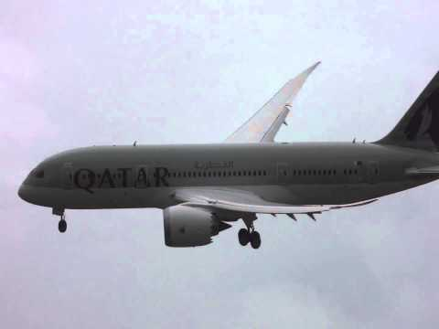 Qatar 787 Dreamliner landing Farnborough 2012