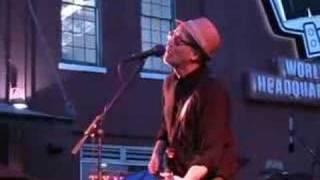 Watch Marshall Crenshaw Passing Through video