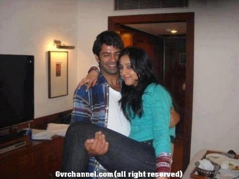 ACTOR BARUN SOBTI WIFE...