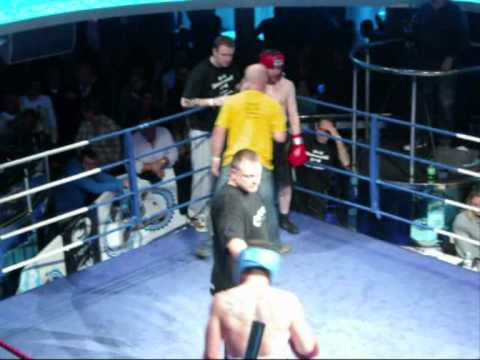 Peter James Fights Mike Anderton at Liquid Colchester