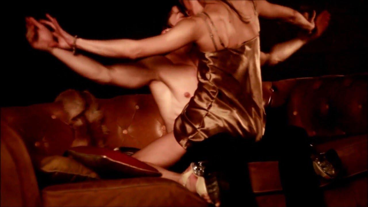 videoroliki-eroticheskih-tantsev