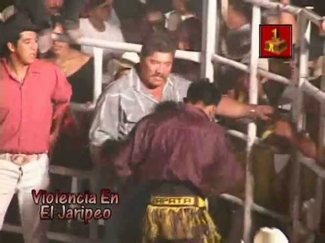 Bronca en el Jaripeo: Ruzo de Zapata se pone bravo