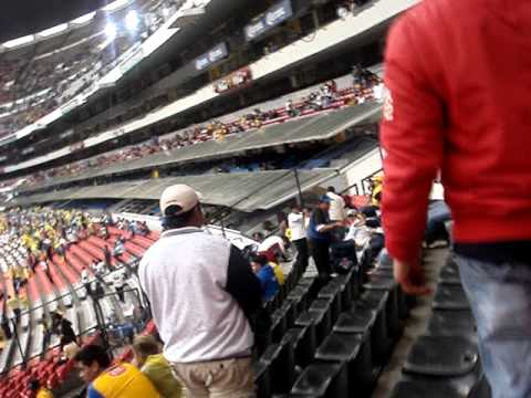 Alberto Monroy Entrando Por El Tunel 9 Del Estadio Azteca video