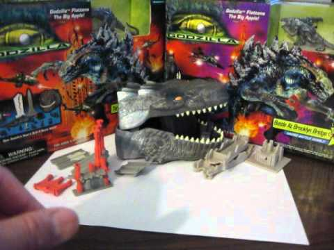 Godzilla 1998 Toy Figure Battle At Brooklyn Bridge Micro ...