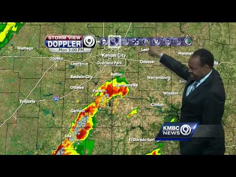 Storms start to fire south of Kansas City