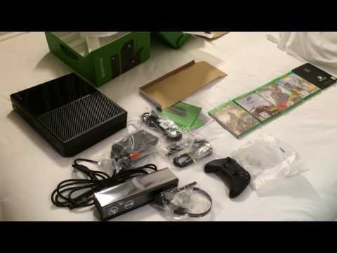Unboxing de la Xbox One à une main !