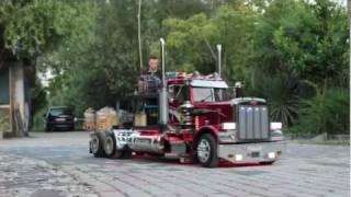 "TruckModel Peterbilt 359 RC 1:4 ""Electric and Radiocontrol Test"""