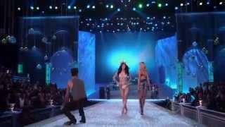 Download Lagu Maroon 5 - Moves Like Jagger at Victoria's Secret Fashion Show Gratis STAFABAND