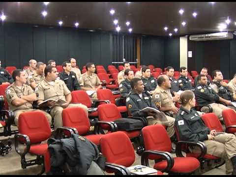 Militares do Proerd atualizam conhecimento em seminário para fortalecer ações