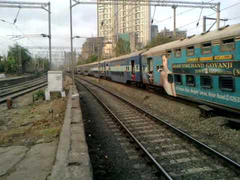 BRC WAP-5# 30051 WITH AMUL AD - FIRST TIME ENGINE IS WITH ADVERTISEMENT...