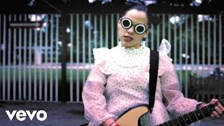 Watch Natalia Lafourcade En El 2000 video