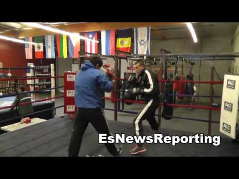 oxnard boxing sparring with no head gear EsNews Boxing Image 1