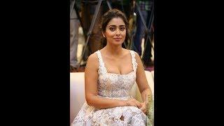 TV serial actress hot boobs show in petal award red carpet