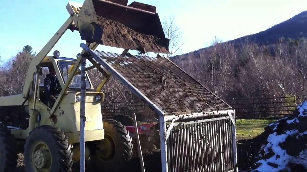 Gravel screen separator youtube for Topsoil screener