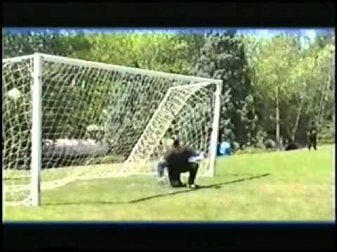 ¬идео как играть в футбол