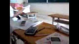"""[Clip hot]Cười vỡ bụng với độ """"Siêu ngáo"""" của học sinh trường THPT Võ Văn Kiệt ''"""