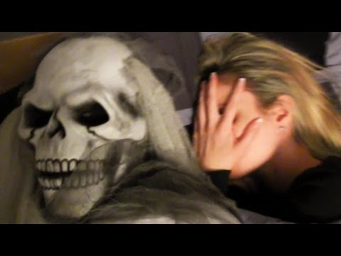 Halloween Ghost Scare Prank! video