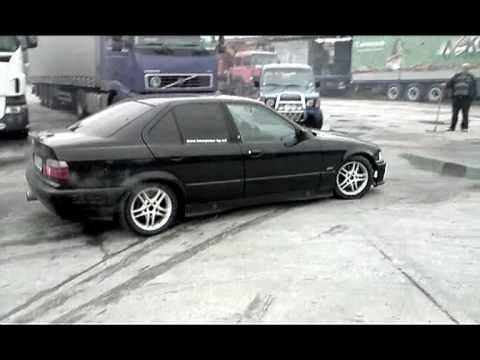 bmw e36 318i cool burnout and donuts youtube. Black Bedroom Furniture Sets. Home Design Ideas