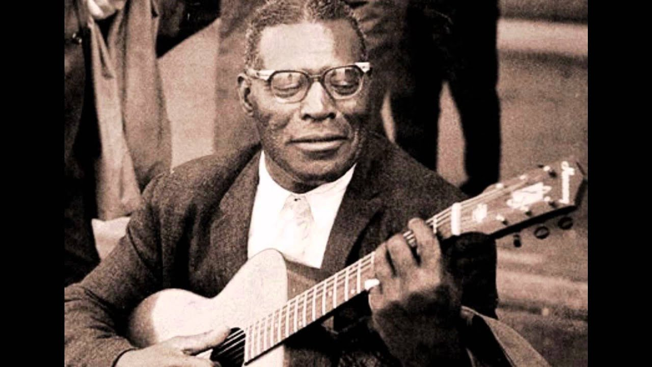 Howlin Wolf - Crying At Daybreak - YouTube