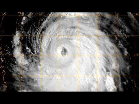 Super Typhoon Neoguri on verge of Category 5 strength - Update 6 (July 7, 2014)